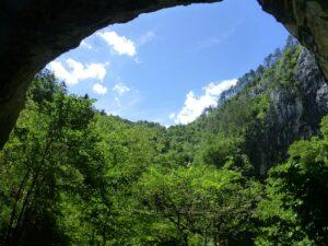 Slowenien aus einer Höhle - Sento Wanderreisen