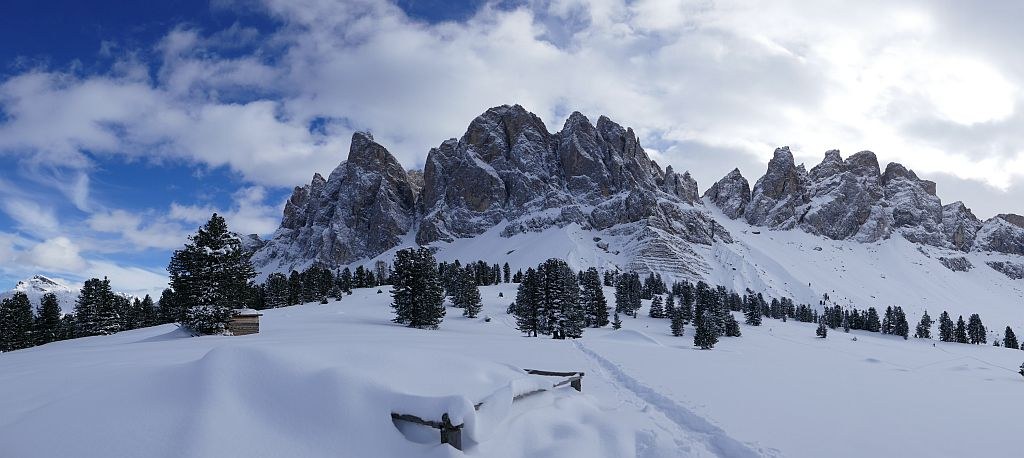 Winterreise Schneeschuhwandern Südtirol Villnöss